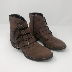 Distressed Buckle Detail Boots